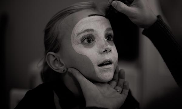 Maquillage pour Halloween dans son salon